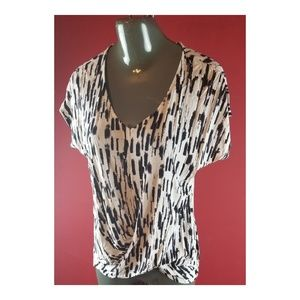 Forever 21 Fashion print Blouse Size Small